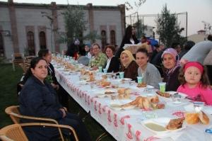 HANIMLAR KAHVEHANESİ RAMAZAN'I DOLU DOLU GEÇİRDİ
