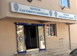 10 POLİS AÇIĞA ALINDI