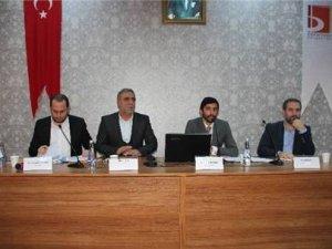 """Bilecik'te """"15 Temmuz Darbe Girişimi, Yeni Anayasa Ve Başkanlık Sistemi"""" Paneli"""