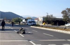 AMBULANS İLE MOTOSİKLET ÇARPIŞTI
