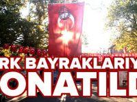 İNHİSAR TÜRK BAYRAKLARIYLA DONATILDI