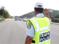 TRAFİK POLİSİ UYARDI