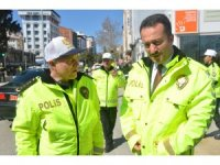 TRAFİK POLİSLERİNİN YENİ KIYAFETLERİ GÖRÜCÜYE ÇIKTI