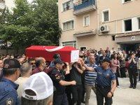 GENÇ POLİS MEMURU YAKINLARINI YASA BOĞDU