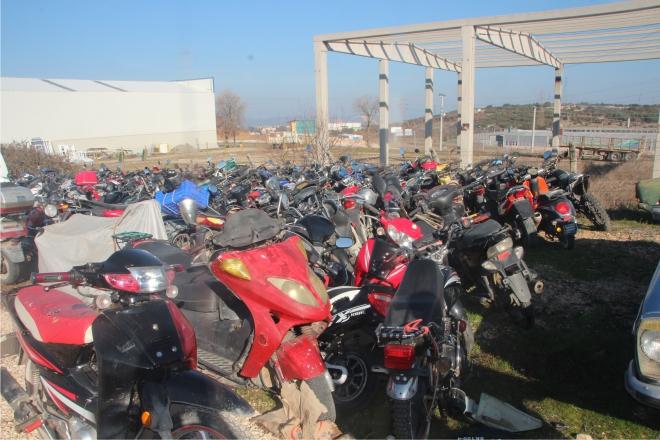 1-milyonluk-motosiklet-curuyor2.jpg