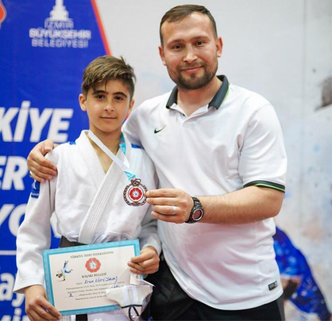 genc-judocu-turkiye-3.su-oldu2.jpg