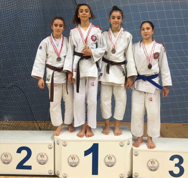 judoculardan-buyuk-basari2.jpg