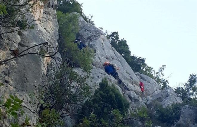 kayaliklarda-mahsur-kaldilar2-002.jpg