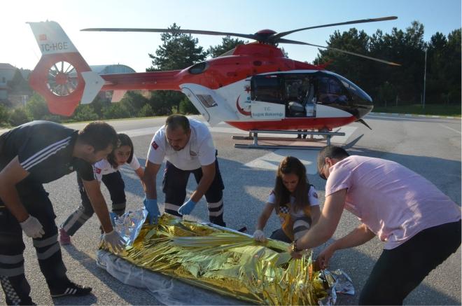 kazada-yanan-genc-hava-ambulansiyla-izmire-sevk-edildi2.jpg