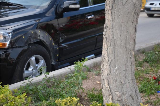 otomobil-ile-jip-carpisti2.jpg