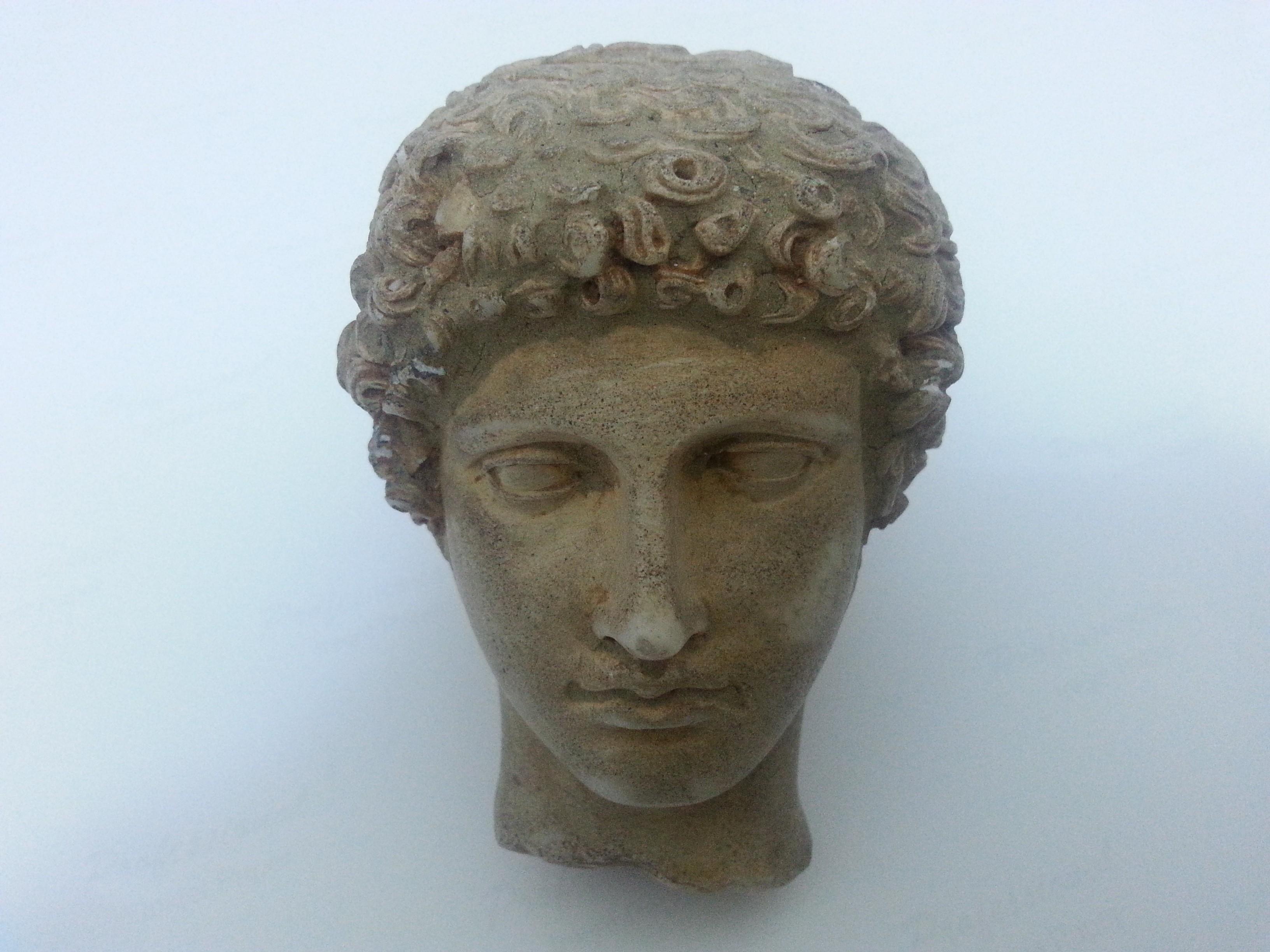 roma-ve-hitit-donemine-ait-tarihi-eserler-ele-gecirildi.jpg