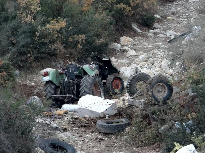 traktor-sarampole-devrildi3.jpg