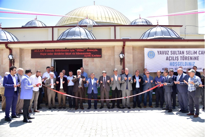 yavuz-sultan-selim-camii-ibadete-acildi2.jpg